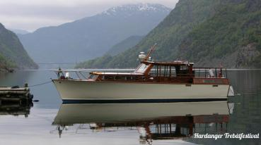 Lady Bowmore M/Y